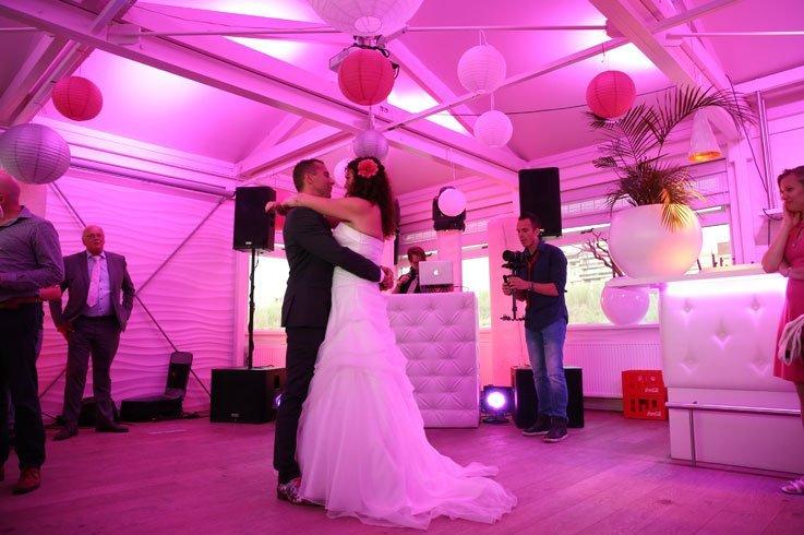 Romantische openingsdans op bruiloft