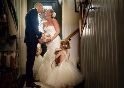 De eerste ontmoeting in trouwkleding, wat zijn ze mooi!