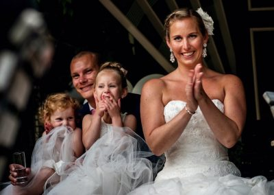 Alleen maar lachende gezichten. Een zorgeloze bruiloft!
