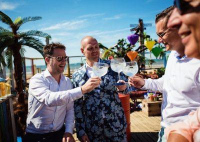 Gin-tonic cocktailbar op bruiloft