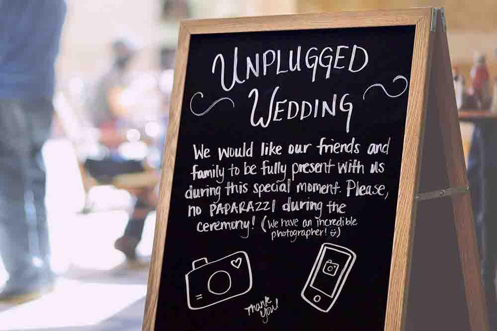 Geen social media op huwelijk