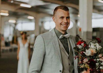 Spannend moment! Hoe zal de bruid eruit zien?