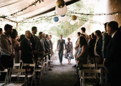 opkomst-bruidegom-weggeven-moeder
