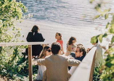 relaxte-bruiloft-aan-het-water