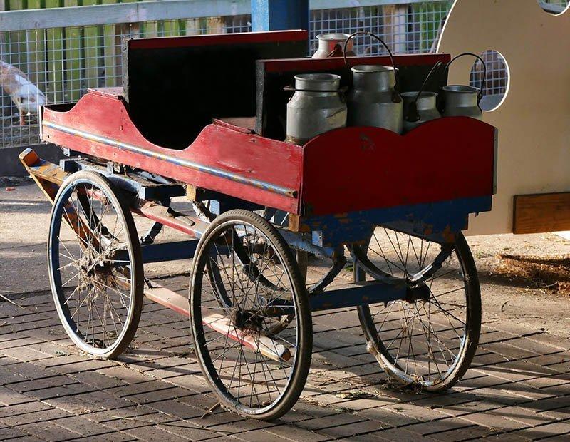 Oude melkkar als uniek trouwvervoer